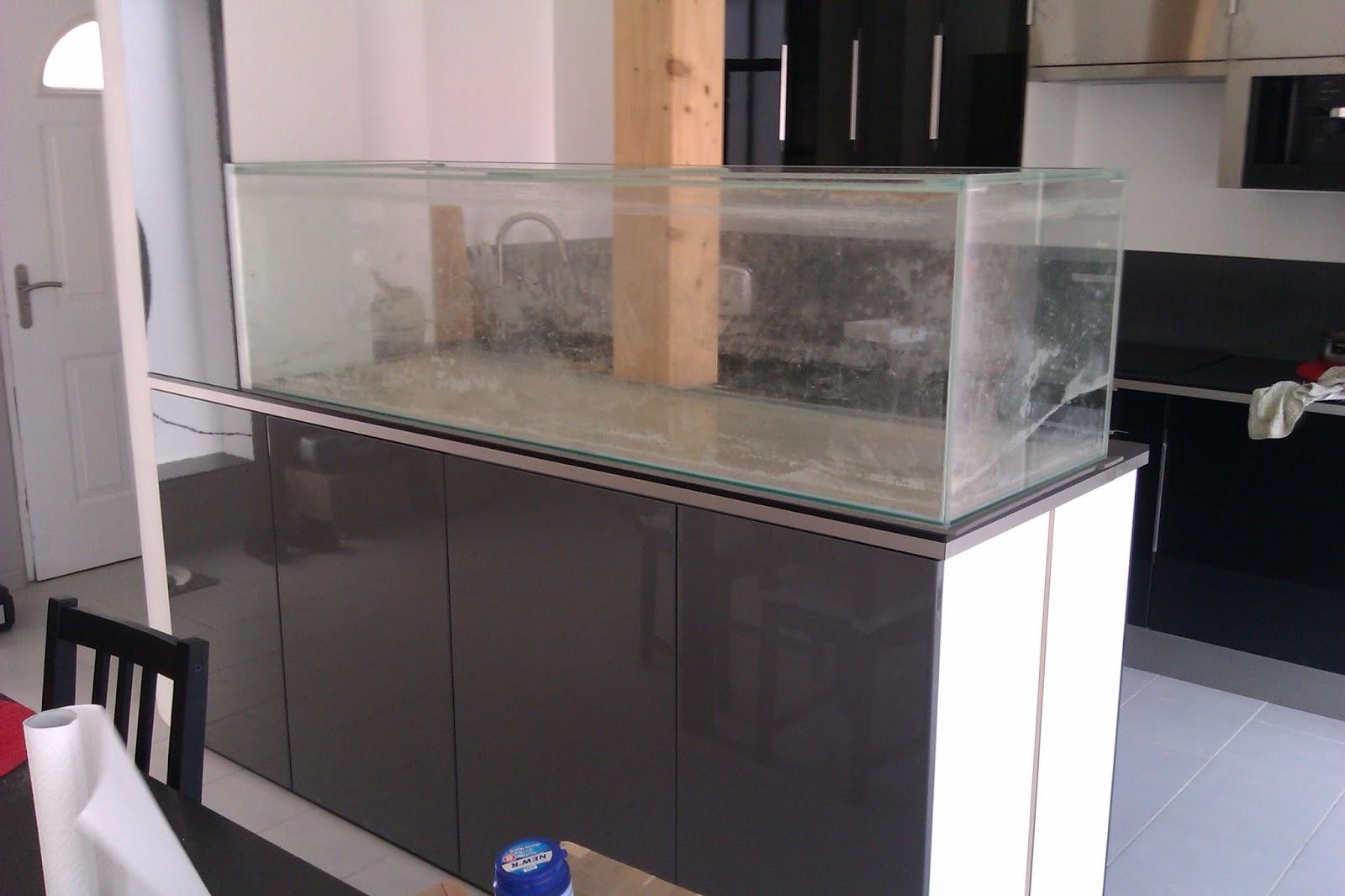aquarium de s paration de 2 pi ces de maison. Black Bedroom Furniture Sets. Home Design Ideas