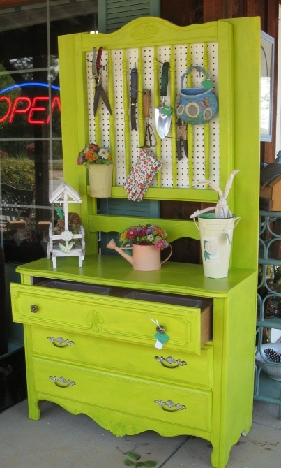 Dishfunctional Designs Salvaged Wood Amp Pallet Potting Benches