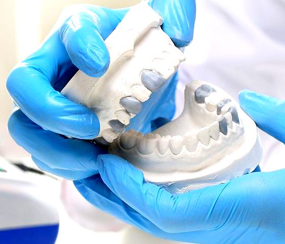 Dental Aesthetic treatments and restorations image