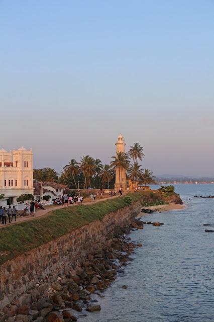 Der Leuchtturm von Galle Fort bei Sonnenuntergang