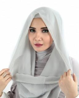 contoh kreasi hijab hoodie zaskia