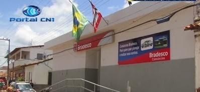 Quadrilha fortemente armada assalta agência do Bradesco em Brejo-MA