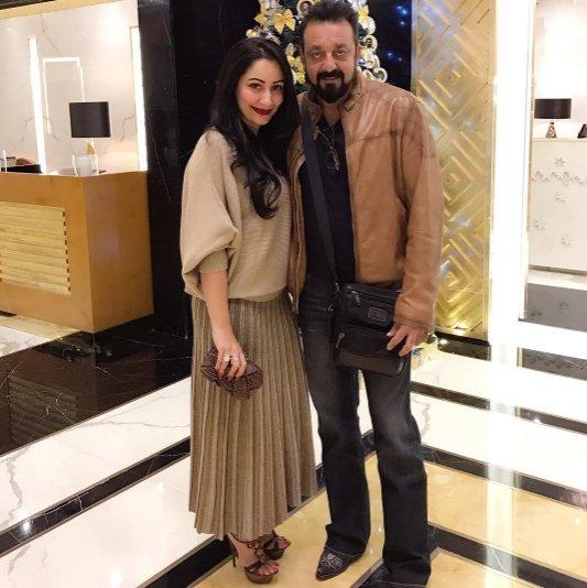 Latest Pic: Sanjay Dutt with wife Manyata Dutt in Dubai ...