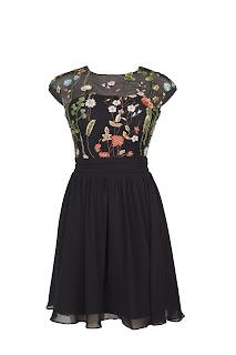 Vestido preto bordado - de R$749 por R$299