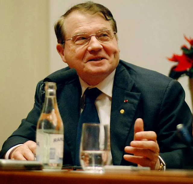 Dr. Luc Montagnier, do Instituto Pasteur de Paris  Prêmio Nobel de Medicina em 2008