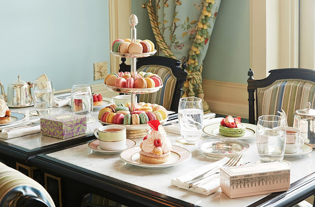 the famous Parisian patisserie Ladurée {Cool Chic Style Fashion}
