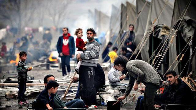 Καζάνι που βράζει η Ελλάδα: Ψάχνουν χώρους για τους πρόσφυγες