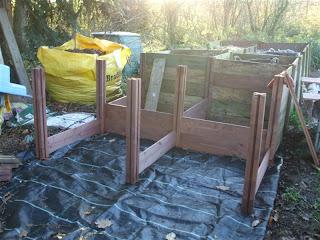 The Compost Bin Compost Bins And Leaf Mould Bins Rebuild Part 2