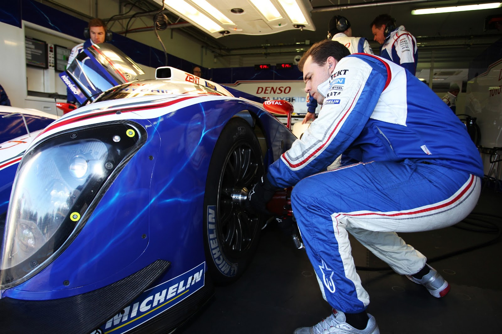 Toyota aims to win WEC with revised TS030 hybrid race car