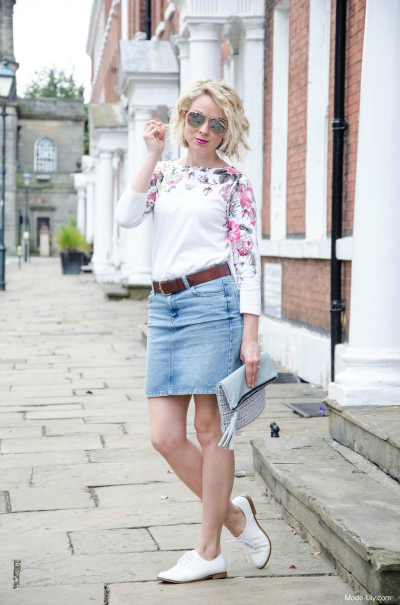 Summer Outfit - Joules Jersey Top | Mirrored Sunglasses | Denim Skirt