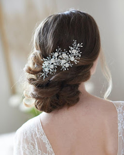 wedding ideas - wedding planning services - bridal headpiece - floral wedding hair clip - esty -Wedding blog by K'Mich - day of wedding planners in Philadelphia