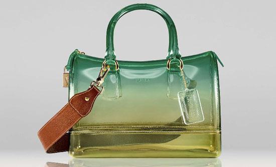804a224f91 ... ultimamente, ha iniziato a produrre alcune linee di borse e accessori  da uomo. Questo articolo è dedicato alle borse da Donna :) Splendidi  modelli, ...