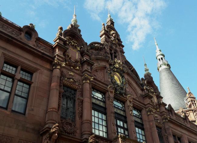 Travel guide Heidelberg, Germany: Heidelberg University, Library | Happy in Red