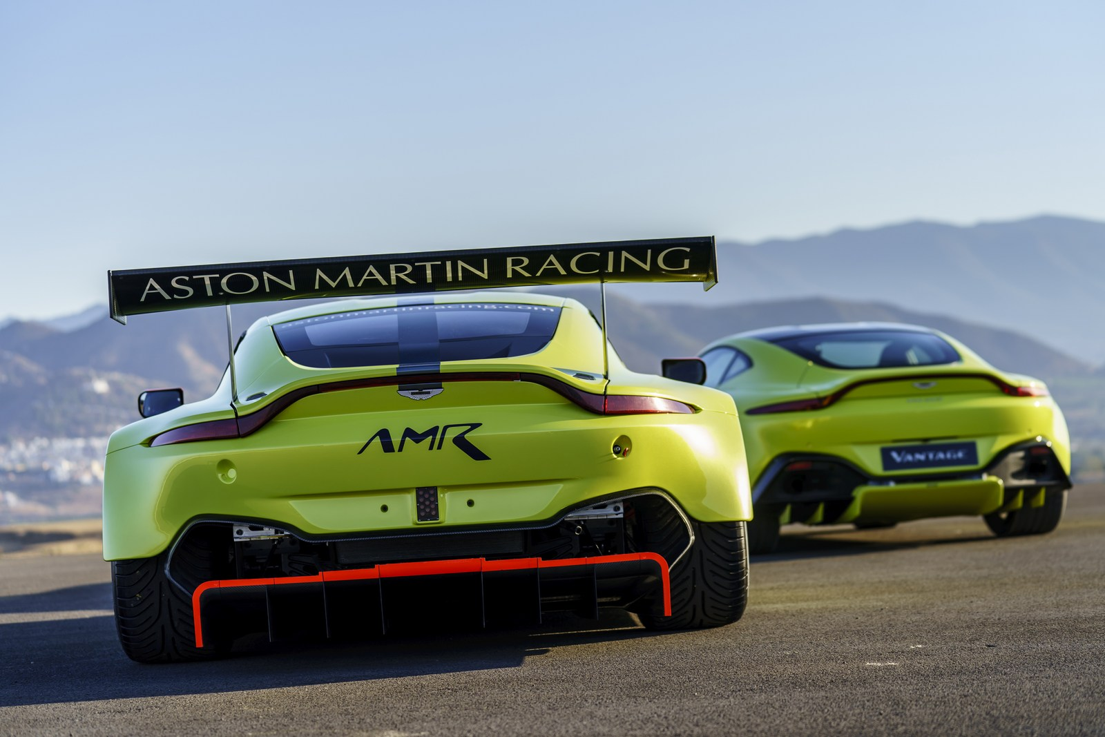 2018 aston martin vantage gte unveiled for the world endurance championship. Black Bedroom Furniture Sets. Home Design Ideas
