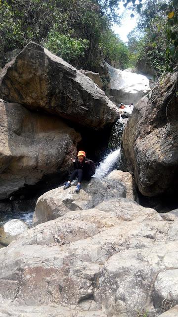 TOUR WISATA CURUG SENTUL - GREEN CANYON BOGOR - LEUWI HEJO - BARONG - CEPET
