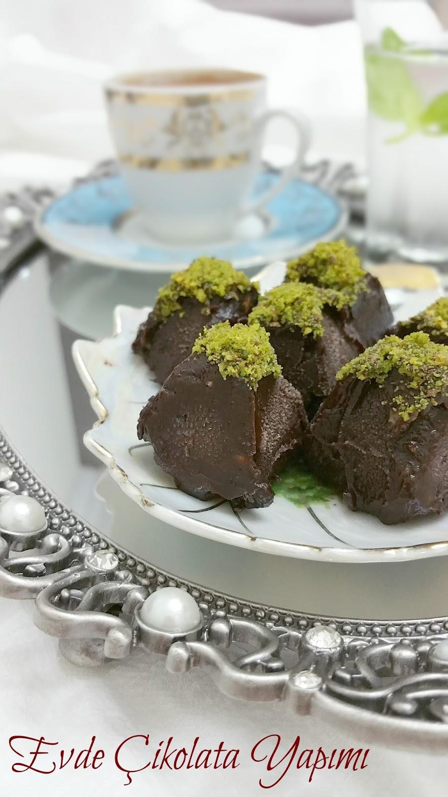 Evde Nasıl Bayram Çikolatası Yapılır