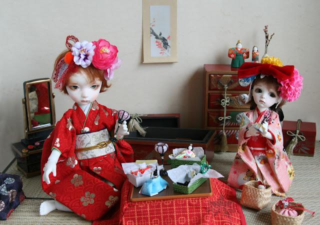Les BJD de La Pierlé : Kimono pour Cho (raccoon) p.2 - Page 2 HinamatsuriNicoletteClaudieweb