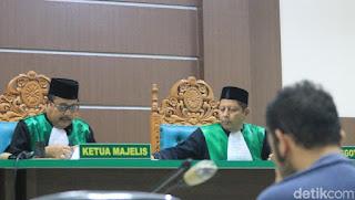 Pasangan Sejenis di Aceh Divonis 85 Kali Cambuk