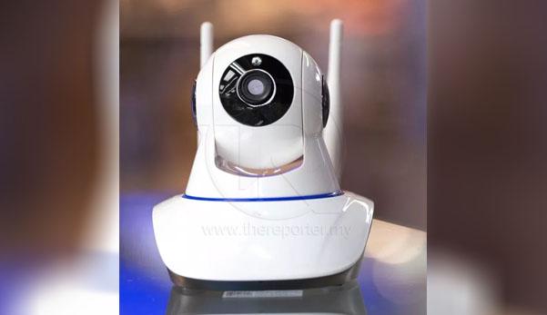 Ibu bapa pasang CCTV dalam bilik, elak anak melakukan zina dengan tangan