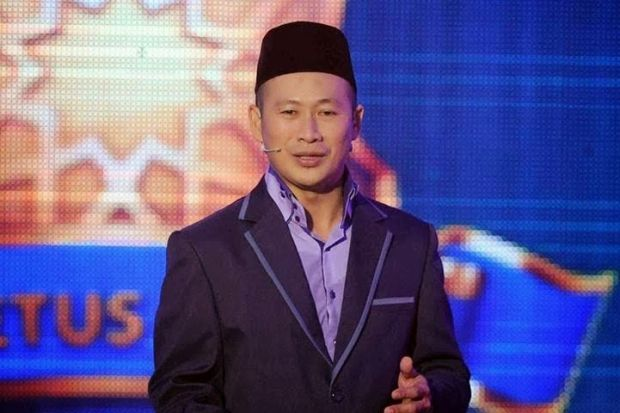 "Imigresen Singapura Tahan Ridhuan Tee Seperti ""Pengganas"""