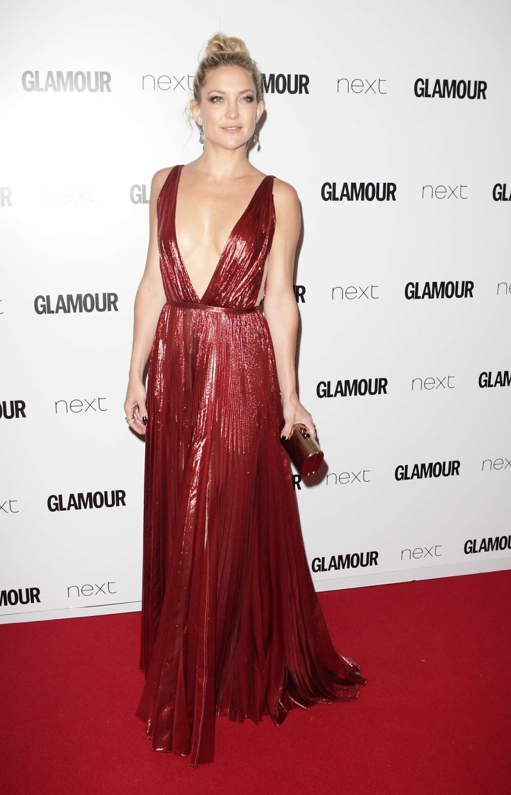 Kate Hudson in a sexy plunging gown at the 2015 Glamour Women Of The Year Awards