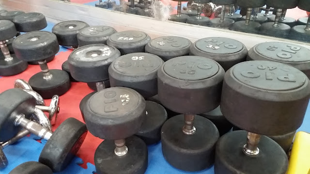dumbbell set di agi gym medan