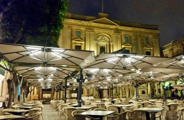 Illuminazione led casa: caffè cordina la valletta malta by