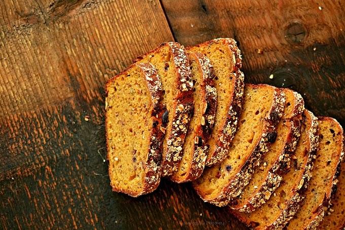 Ezoteryczne spotkanie przy piekarniku a w nim chleby i owsiane bułeczki