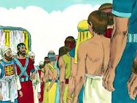 Тогава Исус, като стана рано сутринта, извика Израил според племената им