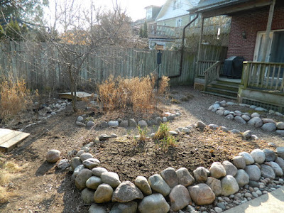 Riverdale spring 2018 garden cleanup before Paul Jung Gardening Services a Toronto gardening company