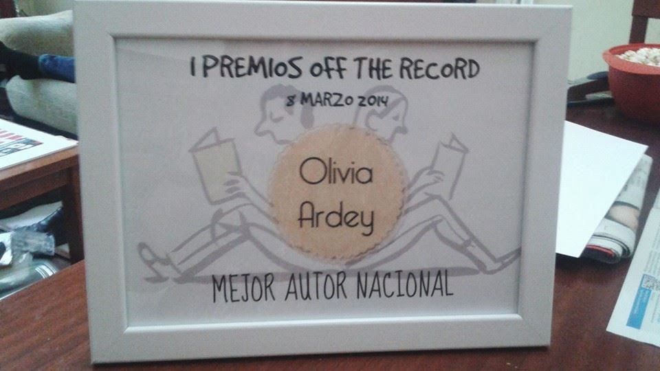Premio Of the Record 2014 Mejor Autora Nacional