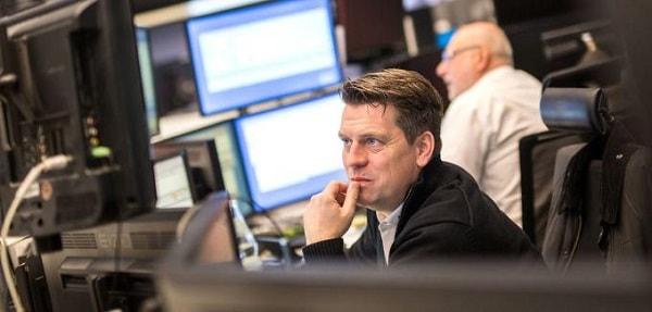 عاصفة سوق الأسهم تخيف المستثمرين