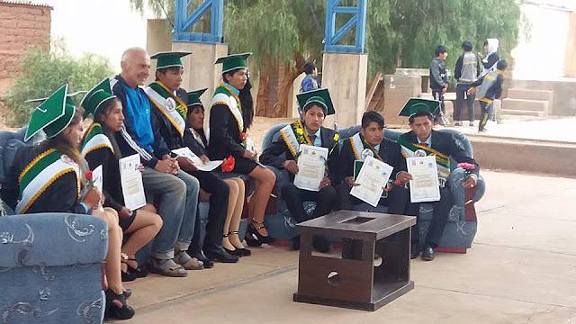 Promocionsfeier in Esmoraca Bolivien