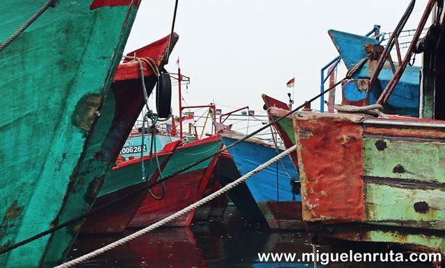 Barcos-Puerto-Yakarta