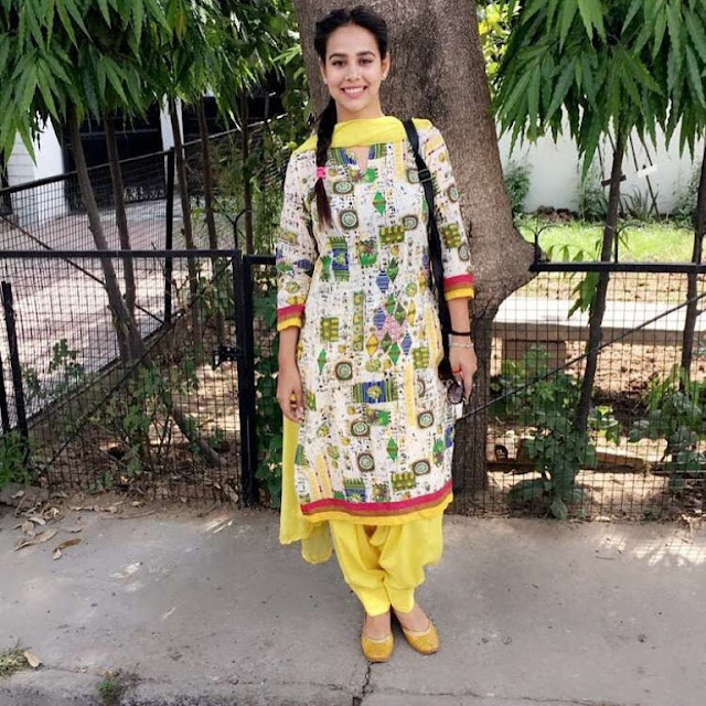 DesiComments  Sunanda Sharma Hot images
