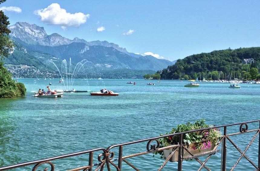 Những hồ nước quyến rũ nhất nước Pháp -1