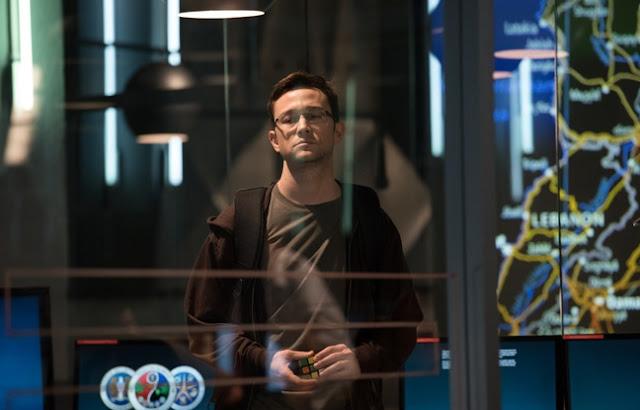 Joseph Gordon-Levitt dans Snowden, d'Oliver Stone (2016)