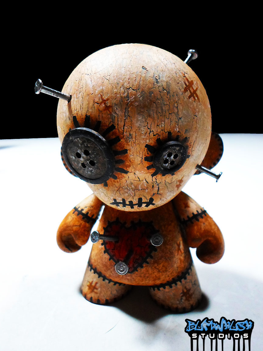 What Is Voodoo >> Bumwhush: Voodoo Doll Munny Custom with Display Case