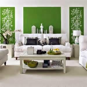 Seperti yang kita ketahui, rumah dengan gaya minimalis menekankan keminimalan desain di setiap ruangannya, termasuk ruang tamu.