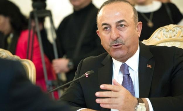 Τσαβούσογλου: Πράκτορες και... ληστές τραπεζών οι φυλακισμένοι δημοσιογράφοι στην Τουρκία