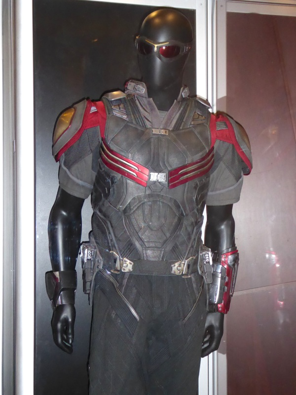 Falcon movie costume Captain America Civil War