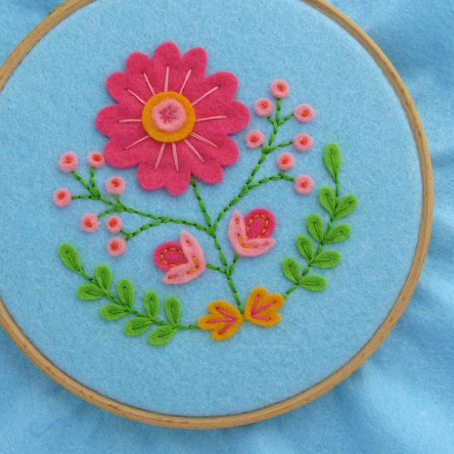Subscriber Exclusive: Floral Hoop Art Pattern