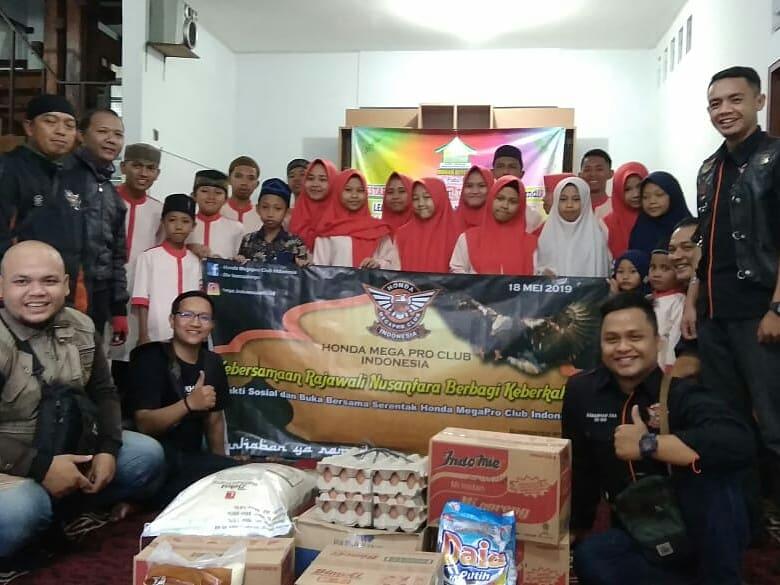 Honda MegaPro Club Indonesia Berbagi Keberkahan Serentak Di Seluruh Indonesia