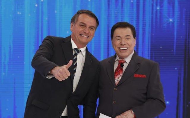 Bolsonaro grava com Silvio Santos e elogia: 'maior comunicador deste país'