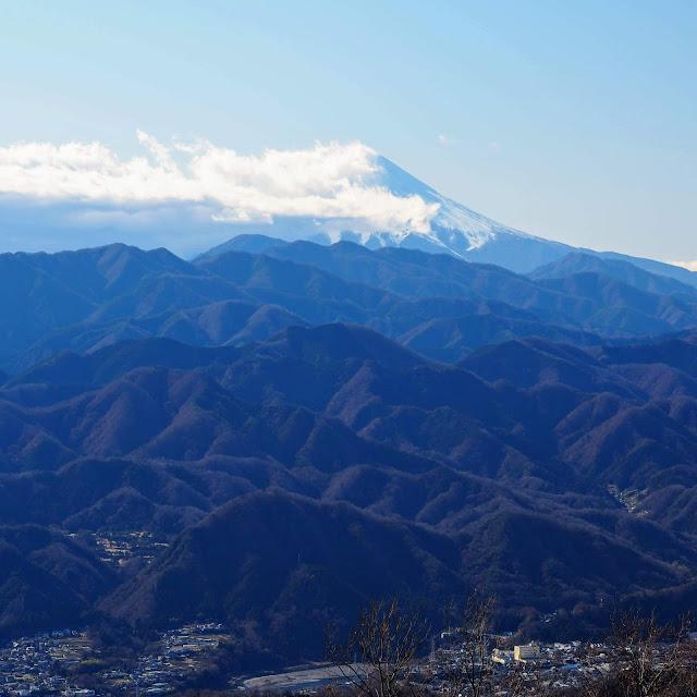 陣馬山山頂 富士山