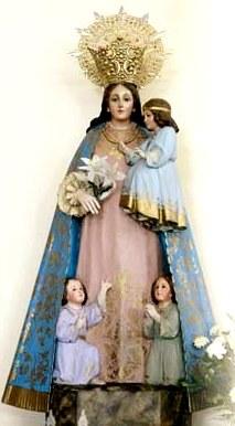 Imagen de Virgen de los Desamparados cargando a su hijo