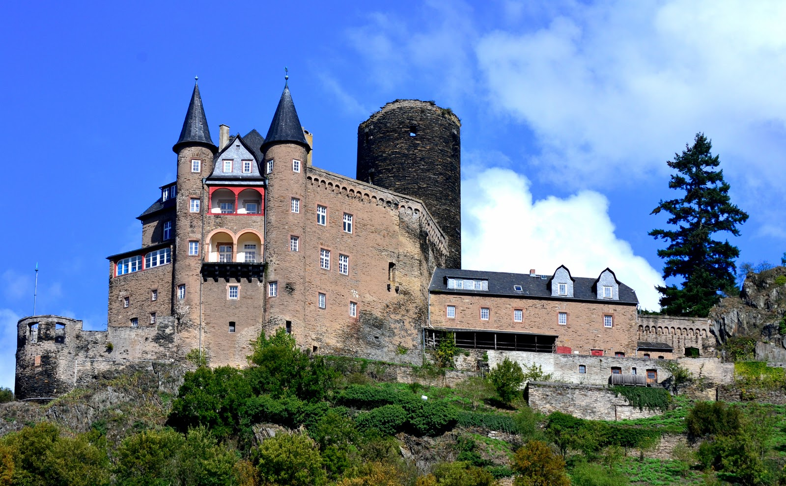 Burg Katz or Cat Castle was restored to its grandeur in the early 20th century. Today, it is a private residence.