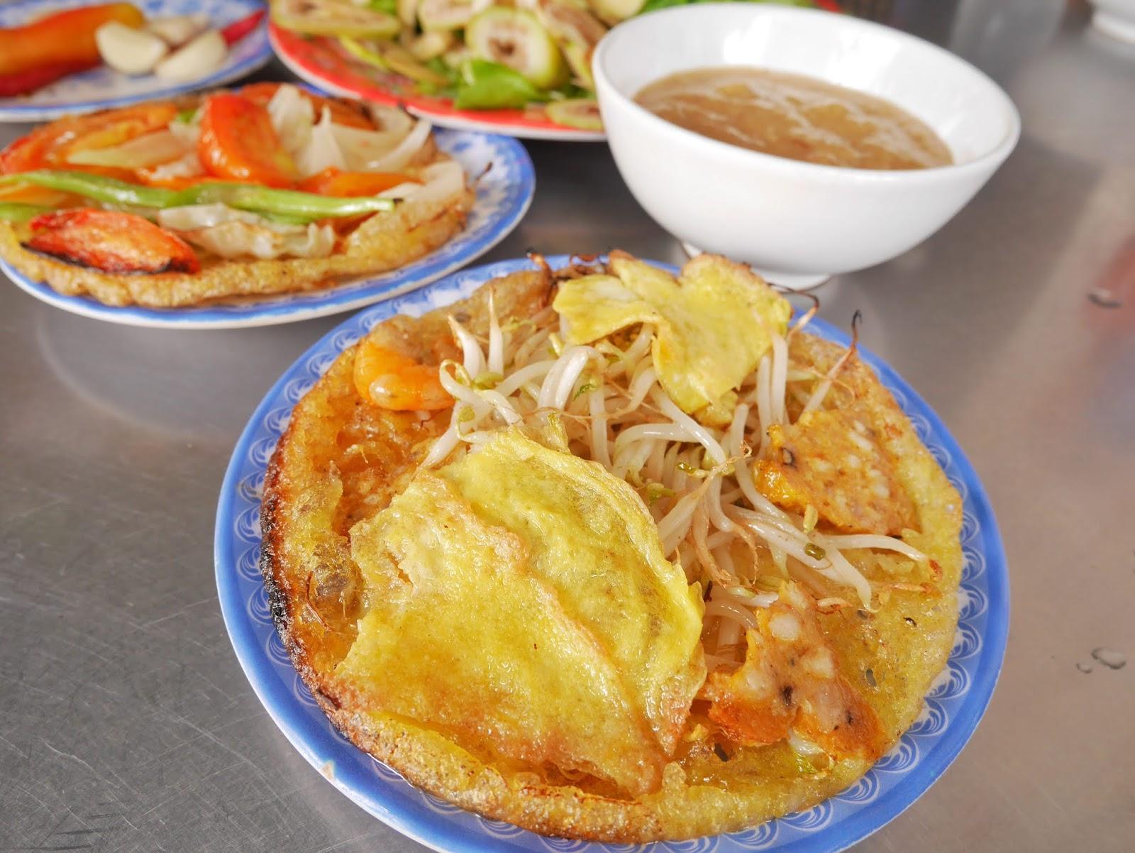 Impressive  Bánh khoái by Lac Thanh, Imperial City Hue, Vietnam