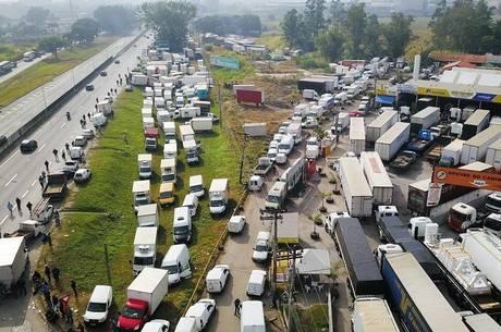1a47decc6 A greve dos caminhoneiros não para de impactar a vida das pessoas. Além da  falta de combustíveis em postos