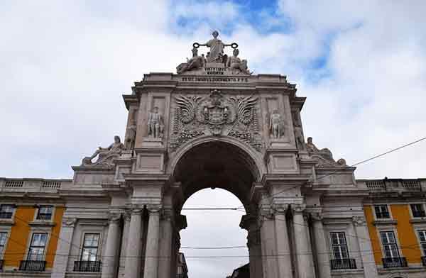 Arco en la Plaza del Comercio